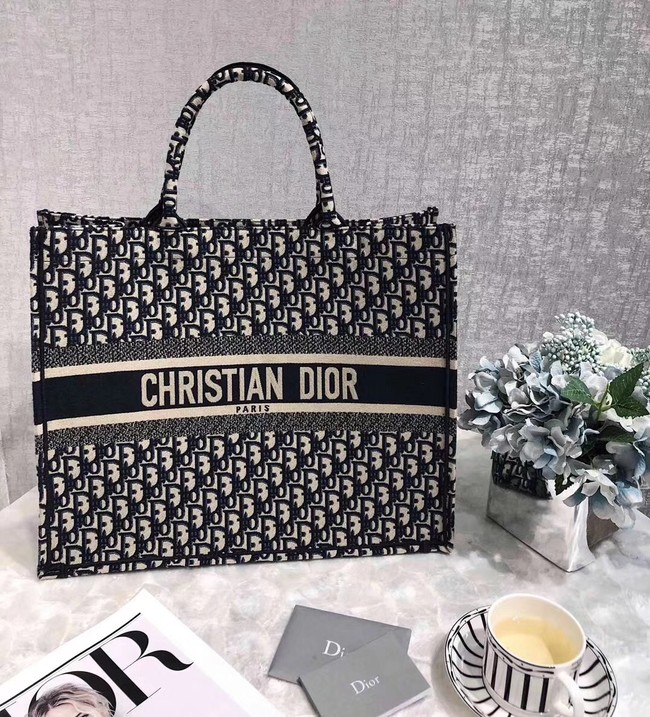 DIOR BOOK TOTE BAG IN EMBROIDERED DIOR OBLIQUE CANVAS M1286 DARK BLUE Customize Words