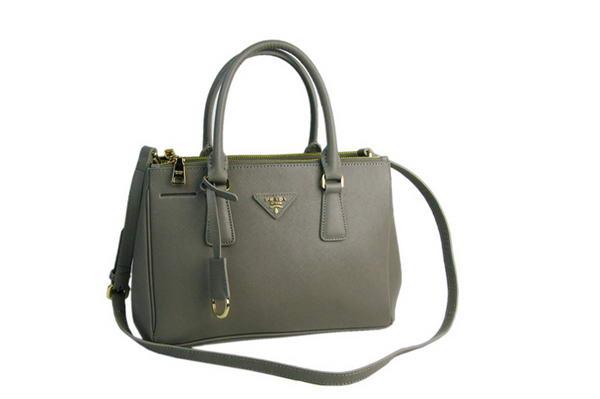 Сумки от prada : Барсетки : Женские кожаные сумки